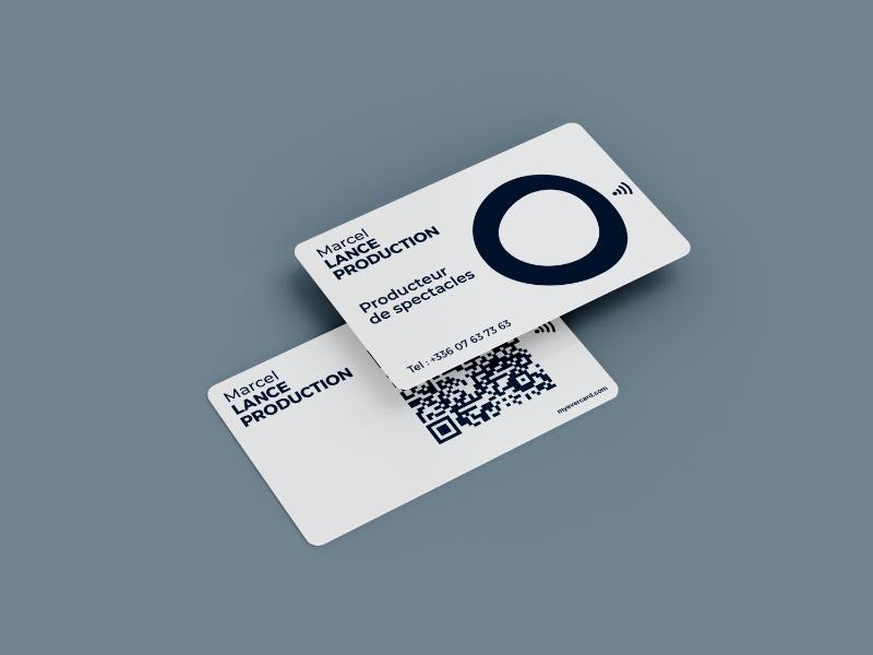 carte de visite NFC et qr code personnalisée simple fond blanc
